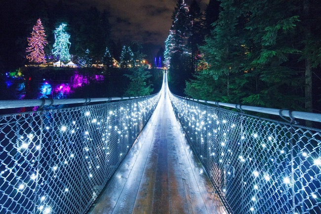 Cầu treo Capilano Suspension Bridge Park ở Vancouver